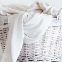 5 верных способов деликатно отбелить белые вещи