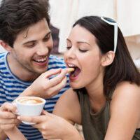Ты не видишь, а он делает: 12 приятных событий в ваших отношениях