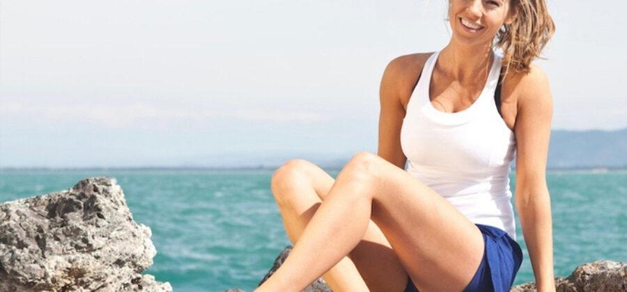 Фитнес-модель показала, как выглядит ее живот, когда она не позирует для инстаграма