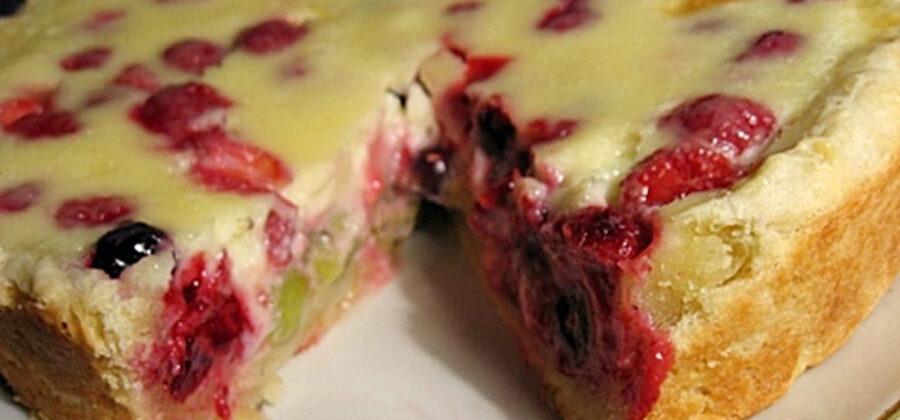 Самый вкусный заливной песочный пирог с ягодами
