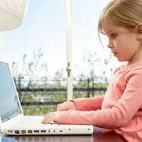 Как меняется мозг ребенка, который долгое время проводит перед экраном своих электронных девайсов?