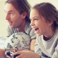 Отец и дочь: как их отношения влияют на ее дальнейшие отношения с мужчинами